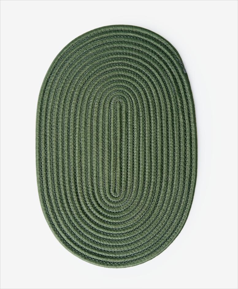 Mata na stół owalna, zielona, wymiary: 45 x 30 cm