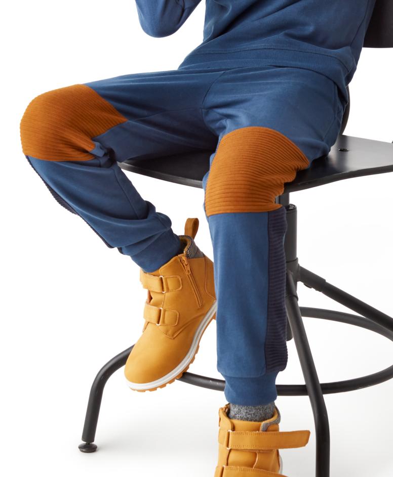 Spodnie dresowe 100% bawełny chłopięce, kolor granatowy, rozmiary: 104-134 cm