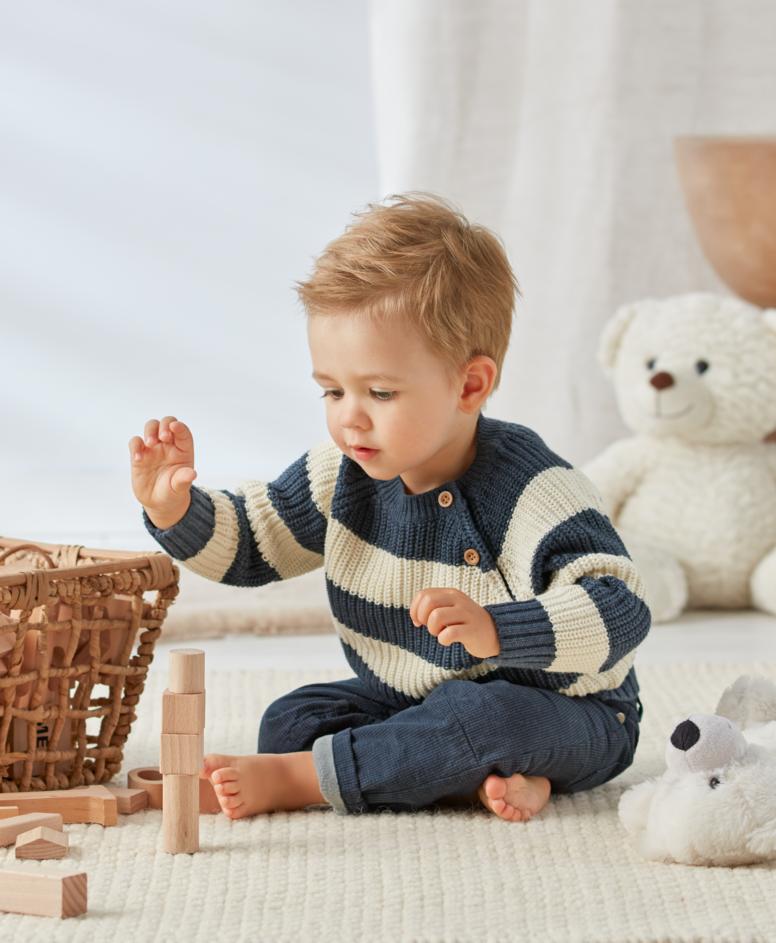 Spodnie niemowlęce, chłopięce, kolor granatowy, rozmiary: 74-98 cm