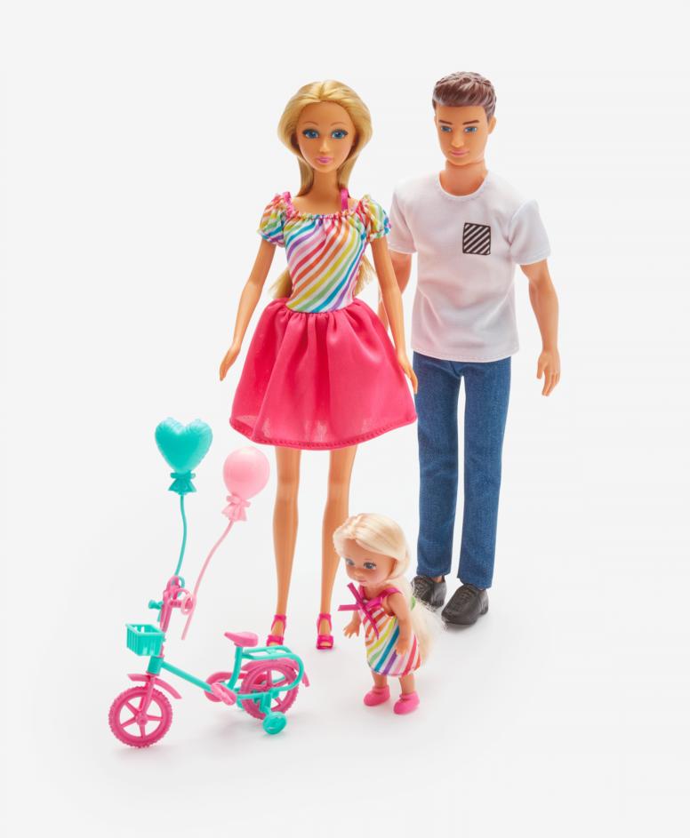 Lutka sa porodicom i dodacima, različite boje